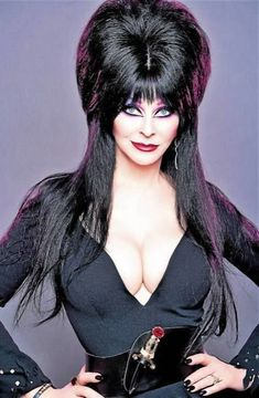 Anyone know where to watch the scene where she reads a guys fortune in the crystal ball? Cassandra Peterson, Meme Factory, Most Popular Memes, Logo Images, Blue Moon, Vintage Halloween, Simple Way, Mistress, Funny Images