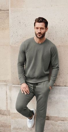If you're working from home or just lounging on the couch, we've brought you cool and cozy loungewear outfits to check out. Time to chill in pajamas now. Casual Chic Style, Men Casual, Loungewear Outfits, Look Man, Outfit Trends, Outfit Ideas, Mens Clothing Styles, Camouflage, Casual Shirts