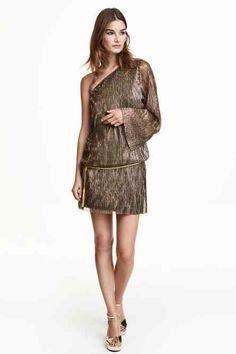 49,9€ Vestido brilhante com um ombro