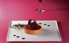 Mousse de lúcuma con base crocante de pecanas Mousse, Panna Cotta, Pudding, Base, Ethnic Recipes, Desserts, Food, Chile, Gastronomia