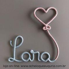 Lara Para encomendar acesse o site - link no perfil☝️e escolha o modelo 'Nome com balão coração'. #portamaternidade #itsagirl #lara #maedemenina #quartodemenina #quartodebebe #instakids #instababy #gravida #gravidez #maternidade #azulbebe5 #rosabebe10