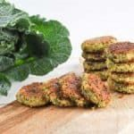 Did you know you can make green falafel by adding collard greens? These falafel are made using canned chickpeas and they're pan-fried in the pan for super quick falafel! I've always loved the green Falafels Vegan Dinner Recipes, Healthy Dessert Recipes, Vegan Snacks, Whole Food Recipes, Falafel Recipe Food Network, Food Network Recipes, Vegan Gluten Free, Vegan Vegetarian, Vegetarian Recipes