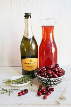 Prosecco and Cranberry Mimosas - simple autumnal cocktail (mocktail version recipe too)
