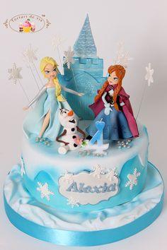 Tort Frozen pentru Alexia