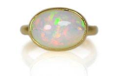 お子様の誕生指輪  K18オパールリング