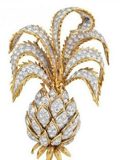 David Webb diamond brooch pineapple