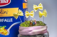 In un #prato di #farfalle, #barilla #ilovepasta #pasta #flower #green #foodart #miniature #etsy #food #cucina #green #baby #cooking #masterchef #chef #print #digitalprint #cook #event #composition #blogger #butterflies #coloros #nature