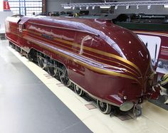 Category:LMS Princess Coronation Class 6229 Duchess of Hamilton (streamlined) at the National Railway Museum Rail Train, Train Art, Train Posters, National Railway Museum, Steam Railway, Art Deco, Old Trains, Vintage Trains, Train Pictures