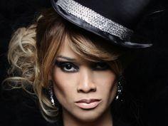 A cantora e atriz Leilah Moreno se apresenta no Teatro Nair Bello do Shopping Frei Caneca, nos dias 24 e 25, às 21h30. No show, que tem entrada Catraca Livre, a cantora estará acompanhada por um DJ e quatro dançarinos.