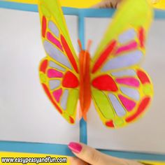 Surprise your loved one with a DIY butterfly pop up card! You can easily make your own by using our printable template. Butterfly Project, Diy Butterfly, Rainbow Butterfly, Diy Crafts For Gifts, Crafts For Kids, Make Your Own, Make It Yourself, Pop Up Cards, Spring Crafts