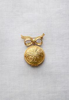 vintage locket brooch | Always & Forever Brooch ✪ http://www.adoredvintage.com