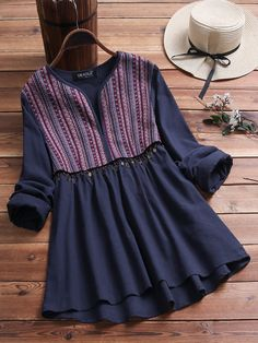 Ethnic Print Patchwork High Low Long Sleeve Blouse look not only special, but also they always show ladies' glamour perfectly and bring surprise. Stylish Dresses For Girls, Stylish Dress Designs, Designs For Dresses, Stylish Tops For Women, Pakistani Dresses Casual, Casual Dresses, Casual Outfits, Classy Outfits, Kurta Designs Women