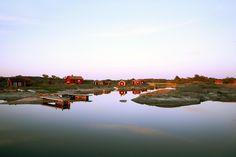 L'archipel de Stockholm est un cadre unique qui se visite toute l'année. On peut y naviguer entre 24 000 îles, îlots et récifs, savourer un bon repas dans l'un des restaurants locaux, se baigner, faire du vélo ou du canoë, et bien plus encore...