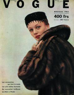 La giovane franco-americana Niki de Saint Phalle su vogue, anni '50.