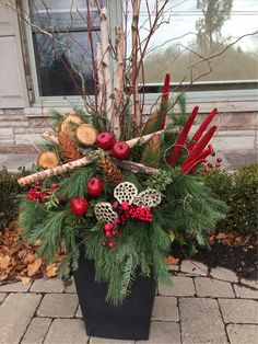 Amazing Front Porch Christmas Decorating Ideas Amazing Front Porch Christmas Decorating Ideas, Winter pots, Christmas Decor Outdoor,Christmas Outdoor Container, See it Outdoor Christmas Planters, Christmas Urns, Outdoor Christmas Decorations, Christmas Wreaths, Christmas Crafts, Holiday Decor, Outdoor Wreaths, Christmas Lights, Christmas Ideas