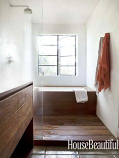 One option - slatted floor and wood surround / hiruko tub, tiled walls & ceiling Wabi Sabi Design - Commune Design's Modern Japanese Interior Design - House Beautiful Bad Inspiration, Bathroom Inspiration, Wabi Sabi, Teak Bathroom, Modern Bathroom, Natural Bathroom, Simple Bathroom, Modern Japanese Interior, Mini Bad
