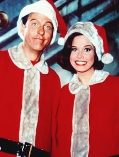 """The Alan Brady Show Presents"" is the Christmas-themed episode of the American television sitcom The Dick Van Dyke Show. Widely considered an all-time classic of the genre, it was originally aired on CBS on December during the show's third season. Vintage Christmas Photos, Retro Christmas, Vintage Holiday, Christmas Pictures, Christmas Decor, Christmas Tv Shows, Christmas Episodes, Christmas Past, Christmas Scenes"