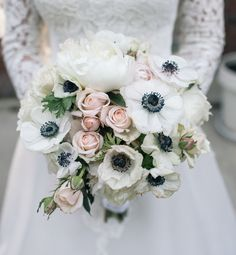 Featured Photographer: Nine Zero Three Photography; 25 Chic Bridal Bouquet Inspiration (New!). To see more: http://www.modwedding.com/2014/08/06/25-chic-bridal-bouquet-inspiration-new/ #wedding #weddings #bouquet Featured Photographer: Nine Zero Three Photography;