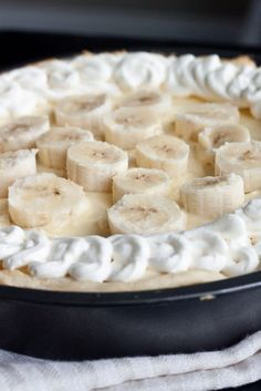 Banana Cream Eclair Pie