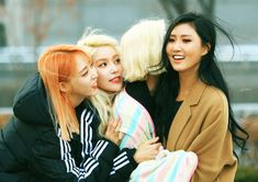 Mamamoo. Who else loves their comeback? Amazing