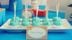 Buggie and Jellybean: Oreo Pops + a Paper & Pigtails giveaway! Oreo Pops, Frozen Birthday Party, Birthday Parties, Birthday Diy, Birthday Cake, Oreo Cake Balls, Oreo Truffles, Yummy Treats, Sweet Treats