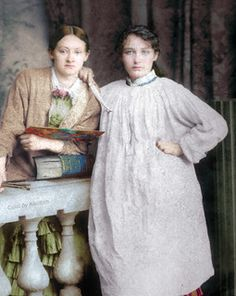 Sculptor Camille Claudel & artist friend Ghita Theuriet, ca. Camille Claudel, Keep Company, French Sculptor, Brothers In Arms, Gibson Girl, Auguste Rodin, Altered Books, Love Photography, Artist At Work