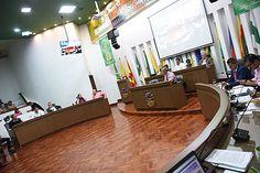 Las facultades para contratar en el departamento hasta el 15 de octubre fueron aprobadas luego de que el Gobernador presentara varias