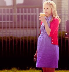 Old times in Glee. Quinn Fabray, Mean Girls, Cute Girls, Glee Club, Dianna Agron, Chris Evans, Spring Fashion, Actresses, Lady