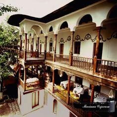 Hanul lui Manuc Bucharest, Old Center sursă poză: autentici. Beautiful Castles, Beautiful Buildings, Wonderful Places, Beautiful Places, Bucharest Romania, European Travel, Home Builders, Old Houses, Places To See
