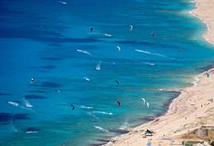 Kitesurfing in Lefkada! Great White Attack, Travel Magazines, Greece Travel, Beautiful Beaches, Kitesurfing, Scenery, Africa, Waves, Culture
