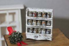 Miniature baking and Dollhouse collectibles: Some hard work and a little Christmas cheer Dollhouse Miniature Tutorials, Miniature Crafts, Diy Dollhouse, Miniature Dolls, Miniature Food, Clay Miniatures, Dollhouse Miniatures, Dollhouse Interiors, Mini Craft