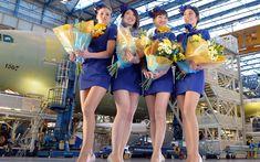 スカイマーク、ミニスカ新制服で若さ強調 A330導入キャンペーン