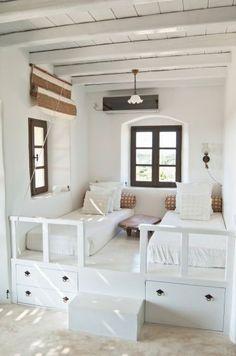 Ideas para decorar una casa en el playa - Mobiliario blanco.  Los colores claros…