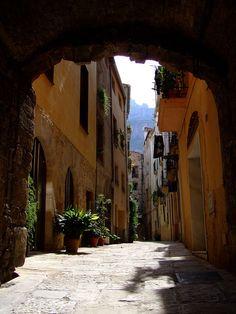 Carrer Sant Joan a Monistrol de Montserrat