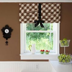 Whether you& looking for casual curtains or something a little more formal, these DIY window treatments are sure to hit the spot. We have ideas for valances, shutters, curtains, and more. Kitchen Window Treatments, Bow Window Treatments, Decoration Design, Window Coverings, Window Valances, My New Room, Home Projects, Sewing Projects, Diy Home Decor