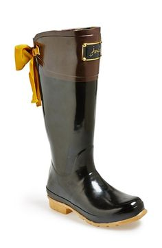 Love these Joules rain boots - especially the pretty bow in the back! http://rstyle.me/n/u872hnyg6