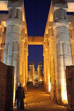 Tempio di Karnak, Escursioni e Tour in Egitto http://www.italiano.maydoumtravel.com/Tour-ed-escursioni-in-Egitto/6/0/