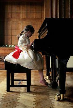 piano girl...
