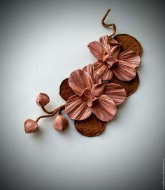 Купить или заказать Веточка орхидеи из кожи в интернет-магазине на Ярмарке Мастеров. Веточка орхидеи из натуральной итальянской кожи, серединка с натуральными камнями..Может быть брошью, заколкой и т.
