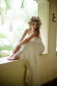 Karla Quinones wedding dress | BlueSpark Photography | see more on: http://burnettsboards.com/2014/04/bohemian-villa-inspiration-shoot/