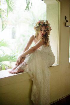 Karla Quinones wedding dress | BlueSpark Photography | see more on: http://burnettsboards.com/2014/04/bohemian-villa-inspiration-shoot/