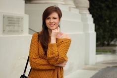 Herbst outfit | autumn outfit | fall outfit | look | mustard-coloured | mustard yellow | senfgelb | knit | knitwear | girl | fashionblog | fashion | fashionblogger | justmyself | sweater | pullover | strickpullover | streetstyle | vienna | brunette | hair | smile