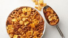 buffalo wing Chex mix - Classic Chex™ mix gets all dressed up with tangy, spicy buffalo sauce and ranch dressing mix. Potluck Appetizers, Make Ahead Appetizers, Appetizer Recipes, Snack Recipes, Cooking Recipes, Potluck Ideas, Easy Recipes, Buffalo Wings, Most Popular Recipes