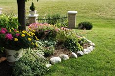 Rock Flower Bed Borders for Your Stunning Garden : Trendy Rock Flower Bed Borders 2013