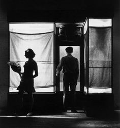 Christo and Jeanne-Claude | Projects | Show Cases, Show Windows and Store Fronts