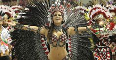 Renata Santos, deslumbrante madrinha de bateria da Mangueira. Brazilian carnaval.