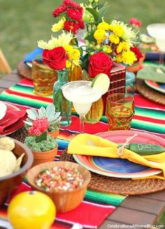 Mexican Dinner Party, Mexican Fiesta Party, Fiestas Party, Taco Party, Dinner Themes, Dinner Ideas, Party Entertainment, Deco Table, Decoration Table