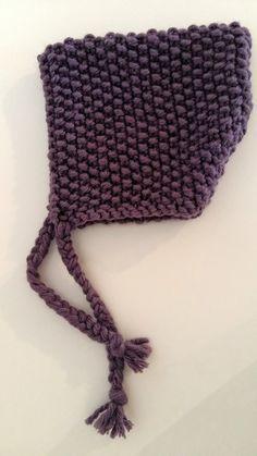A la recherche d'un modèle de bonnet facile (mais surtout rapide) à tricoter pour ma puce, je suis tomber sur ce tuto chez Nanikaa , d'un ...
