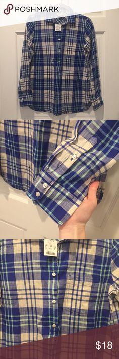 J. Crew Plaid Popover Shirt NWT popover shirt from J. Crew. Buttoned sleeves and front chest pocket J. Crew Tops Button Down Shirts