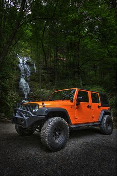 Great shot of a Jeep Wrangler Unlimited!